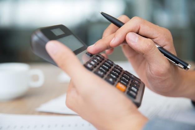 ¿Ahorrar impuestos en el traspaso de una farmacia?